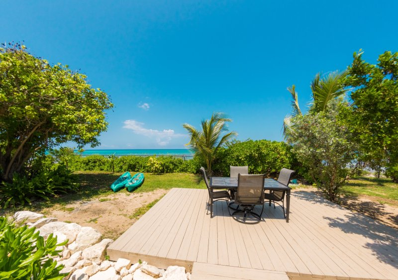 Enjoy dining alfresco with beautiful ocean views!