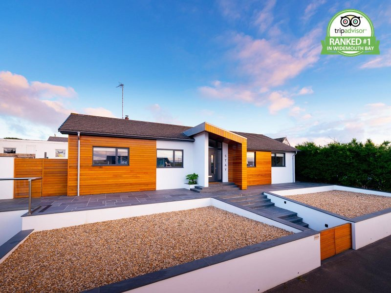 Contemporary beach house - Perfectly placed in Widemouth Bay!, vakantiewoning in Bude-Stratton
