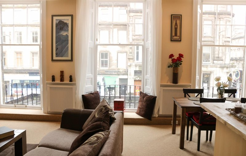 West End City Centre - Just off Princes Street, vacation rental in Edinburgh