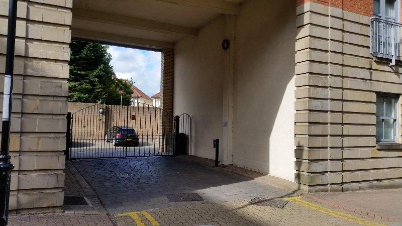 Gated Eingang