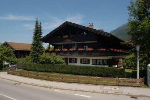 Gemütliche, alpenländliche TOP-Ferienwohnung in Unterwössen/Chiemgau/Oberbayern, vacation rental in Ubersee
