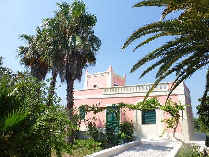 Beautiful Villa Rosa Sirgole, Cutrofiano, location de vacances à Sogliano Cavour