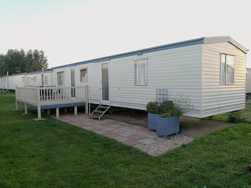 Contained Deck und Terrasse Platz