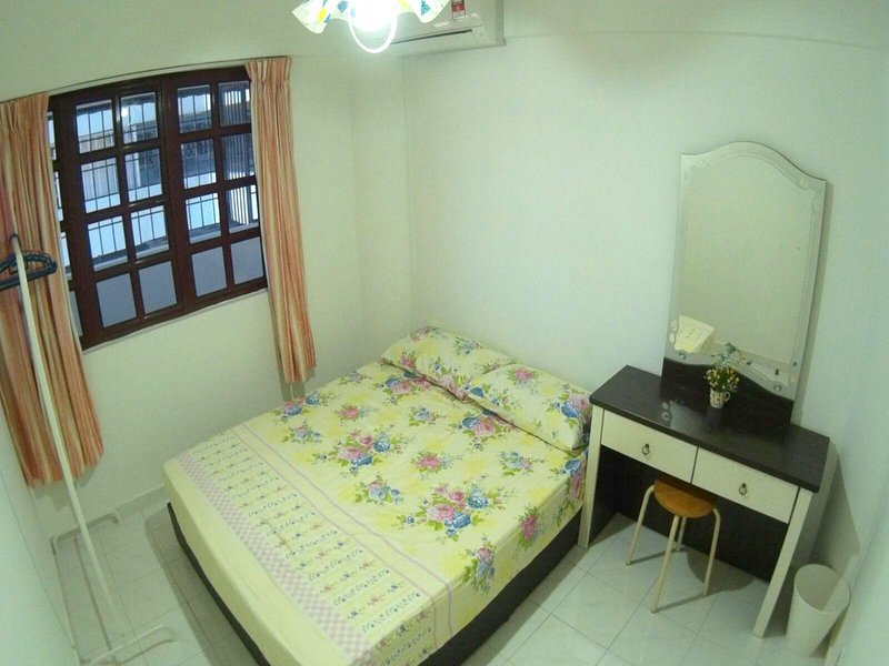 Comfort Apartment near LRT Cheras, holiday rental in Ampang