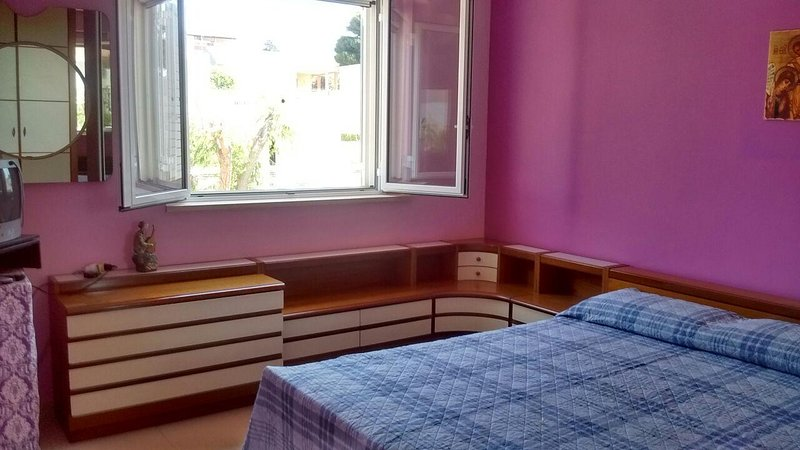 appartamento indipendente in villa trifamiliare, holiday rental in Camemi