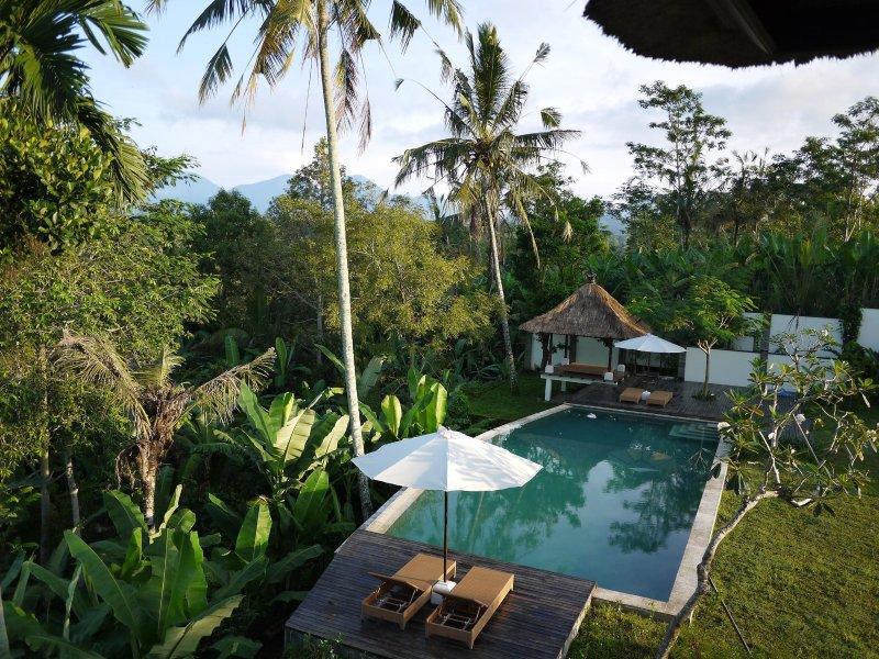 Luxury, Ethnic 4BR Villa In Ubud, holiday rental in Pelaga