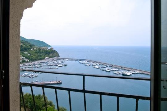 Cilento:terrazzo esclusivo e panoramico con vista Capri e costiera Amalfitana!, location de vacances à Agropoli