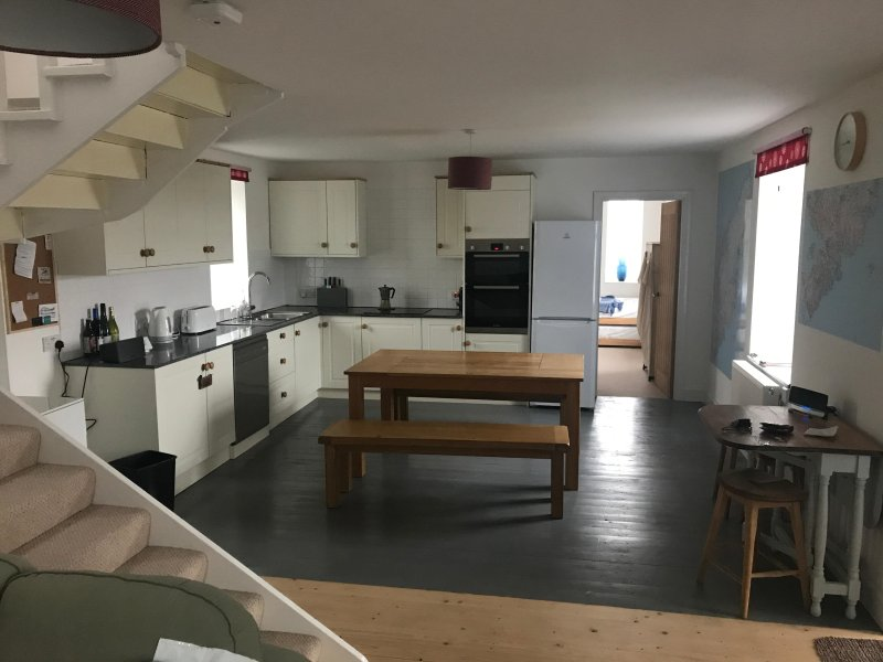 Ardview House also has a Spacious kitchen which is fully equipped and is ready to accommodate you.