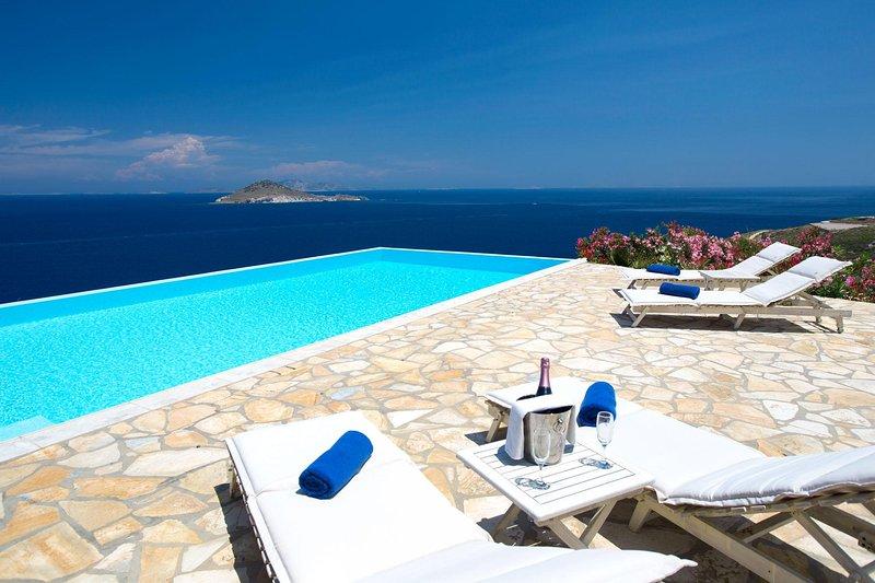 Sea View Villa in Patmos with Pool | Sophia Villa, casa vacanza a Grikos