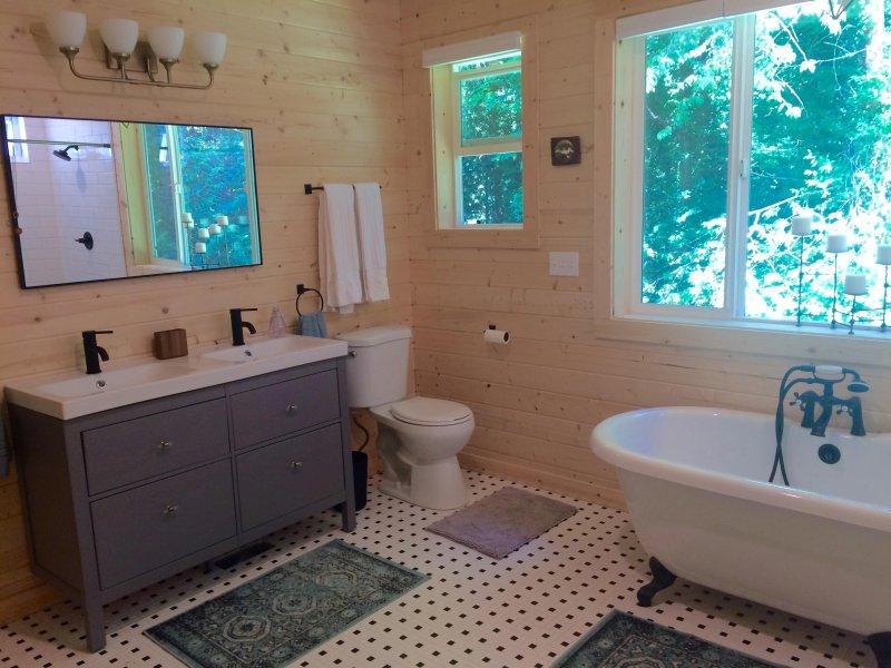 Badkamer # 2 - Nieuw toegevoegd meester bad!
