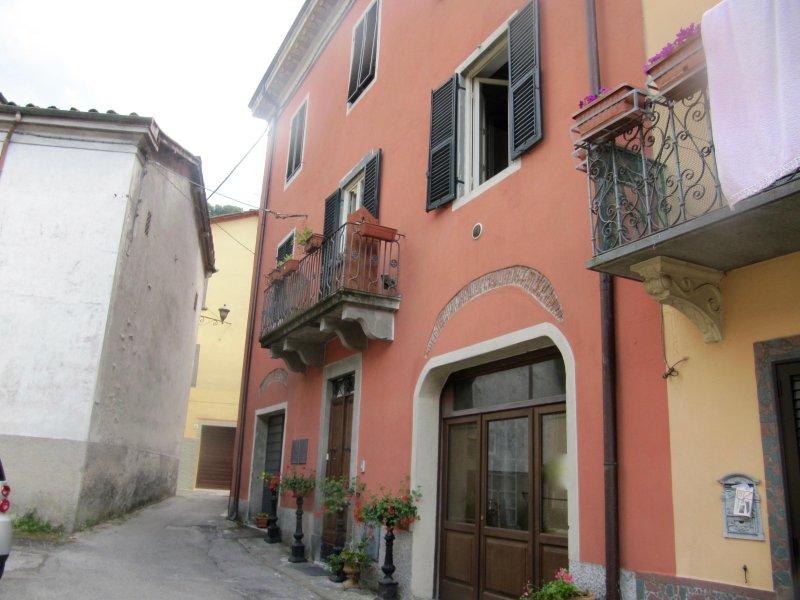 Tuscanrooms, vacation rental in Benabbio