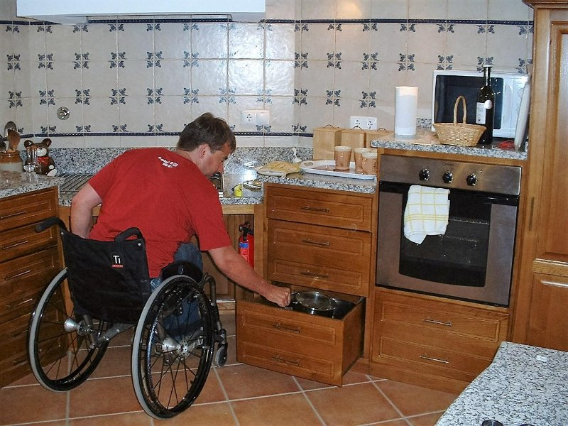 Everything to hand in the wheelchair friendly kitchen