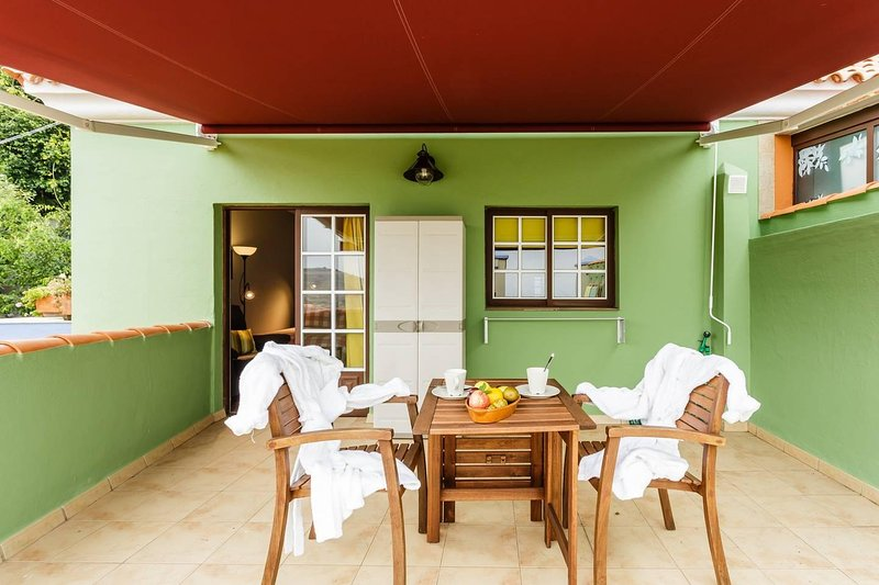 Private terrace of the house, where you can have a delicious breakfast overlooking the sea.