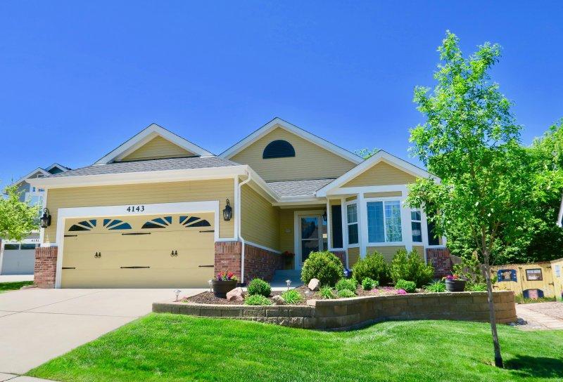 Situé dans un charmant quartier chic près de toutes les attractions de Colorado Springs a à offrir!