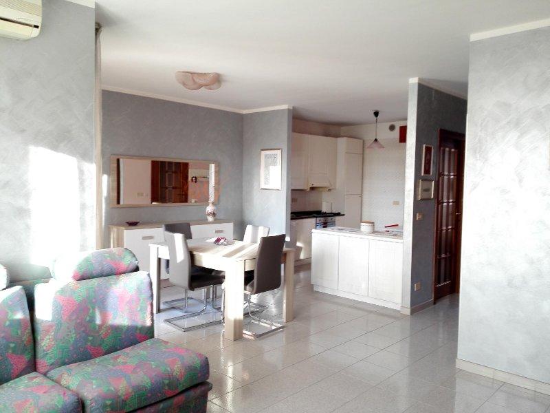 Villetta vicino al mare in zona tranquilla, holiday rental in Termoli