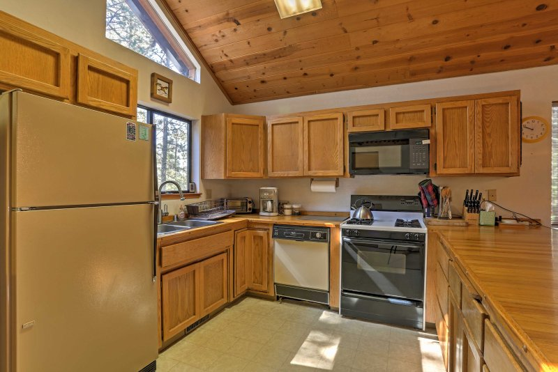 The chef of the group will look forward to cooking in the fully equipped kitchen.