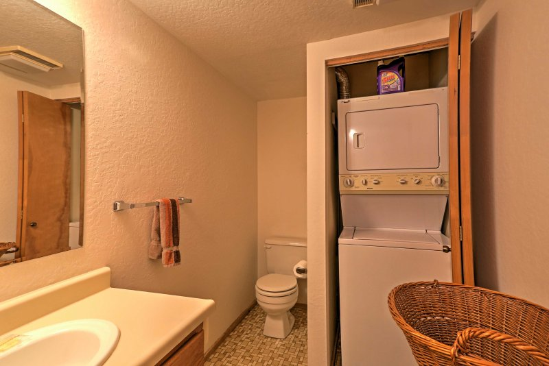 With 2.5 pristine bathrooms, this home provides ample space for everyone to freshen up.