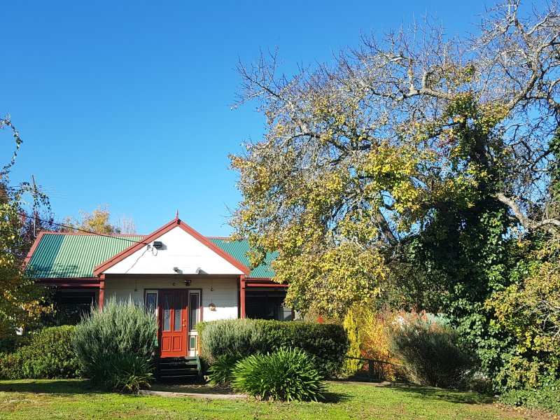 ABELIA COTTAGES OF DAYLESFORD LAKEVIEW ONLY 4 MINUTES FROM TOWN
