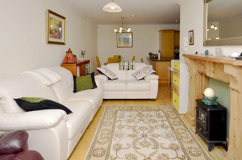 Apartment 263 - Clifden - 263 - Clifden, holiday rental in Maum
