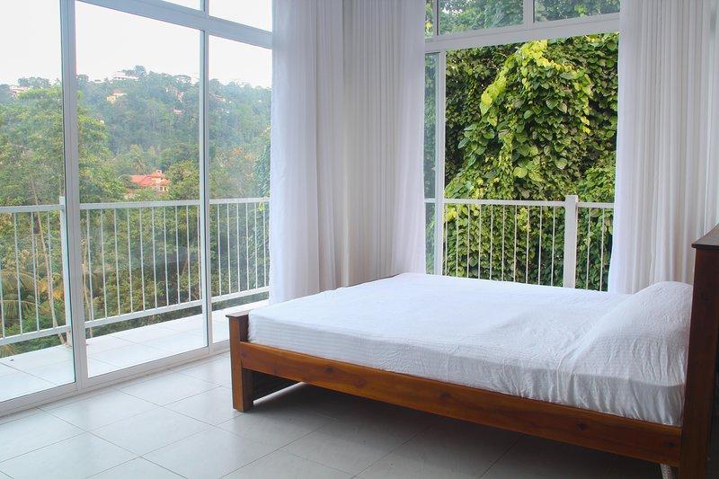 Casa de Cristal (White room), holiday rental in Nugawela