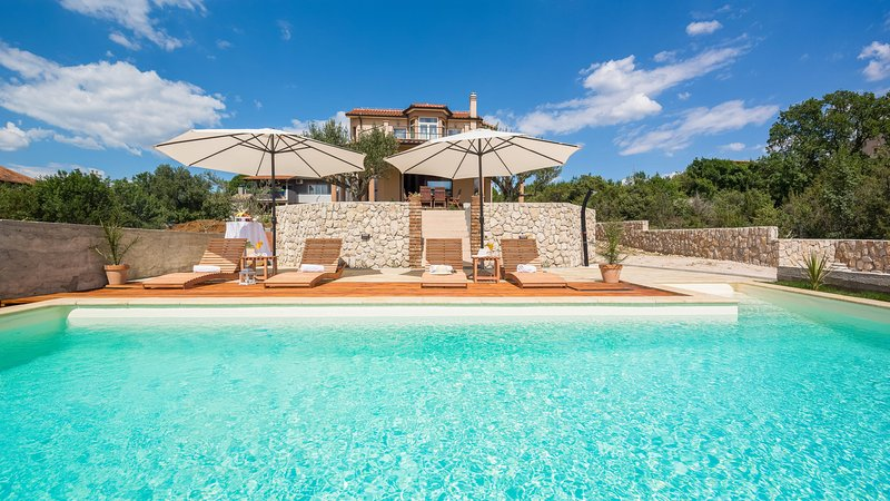 VILLA ANTONETA, vacation rental in Sibenik