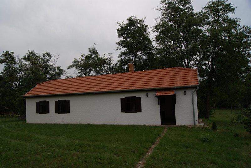 Ferien mit Hund/en in der Puszta, holiday rental in Izsak