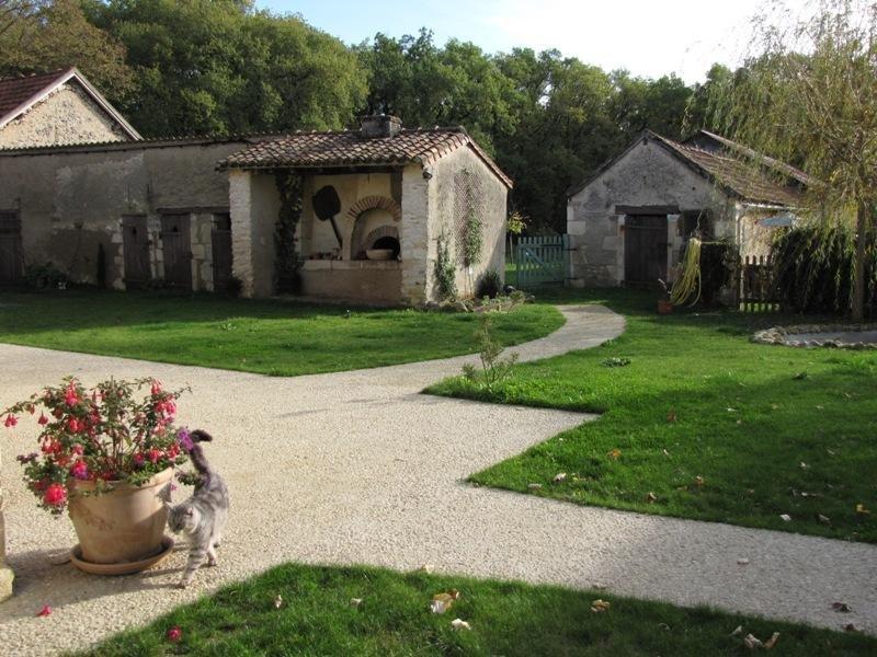 Havre de paix en pleine verdure....dans le Poitou, vacation rental in Chauvigny