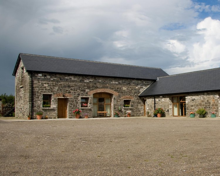 Duffys of Ballybin - The Henhouse - 4-star accommodation - Ashbourne, vacation rental in Trim