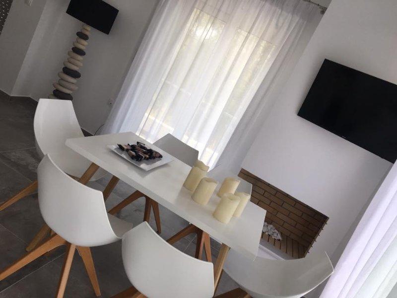 Nea Stira Studios, vacation rental in Agii Apostoloi