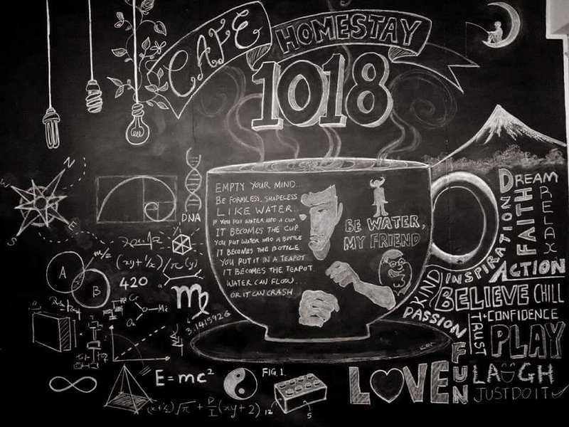 "你好欢迎光临""咖啡1018 '民宿,家乡小厨,服装咖啡馆的休閒民宿""CAFE 1018' HomeMade and Clothing, holiday rental in Menglembu"