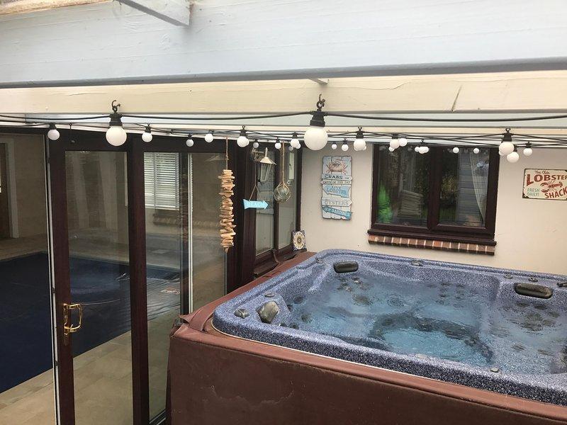 Onze heerlijke hot-tub - normaal gesproken verwarmd tot 38 graden!