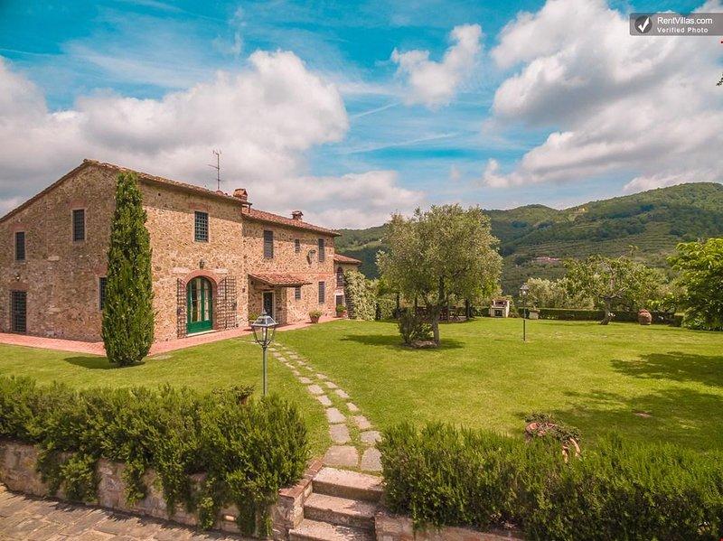 Beautiful Hilltop Villa in Tuscany with Spectacular Views - Villa Alex 1, vacation rental in Monsummano Terme
