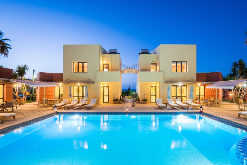 3 Villas, Close to Beach, Pool, Seaview, Ideal For Big Families /Group, holiday rental in Maleme