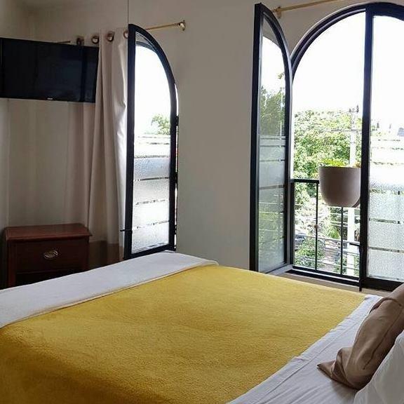 Habitacion B&B con baño privado, holiday rental in Cartago