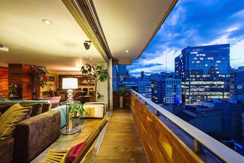 Polanco luxe with incredible views, afforable too!, holiday rental in San Agustin Buenavista