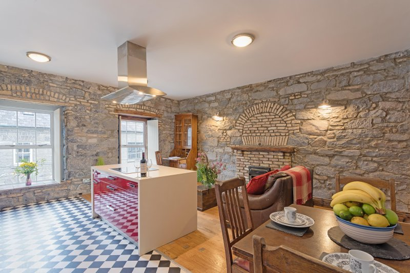 West City Centre, vacation rental in Galway