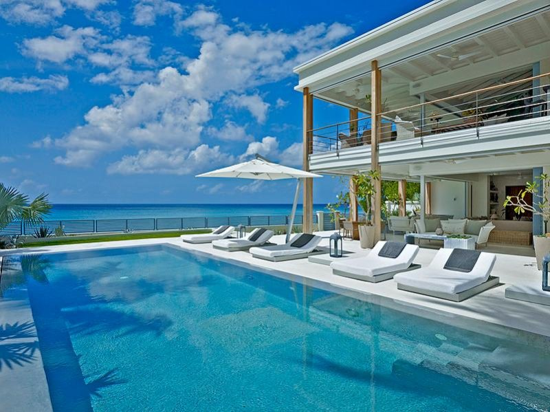 Contemporary fully staffed beachfront villa in Barbados, holiday rental in Prospect