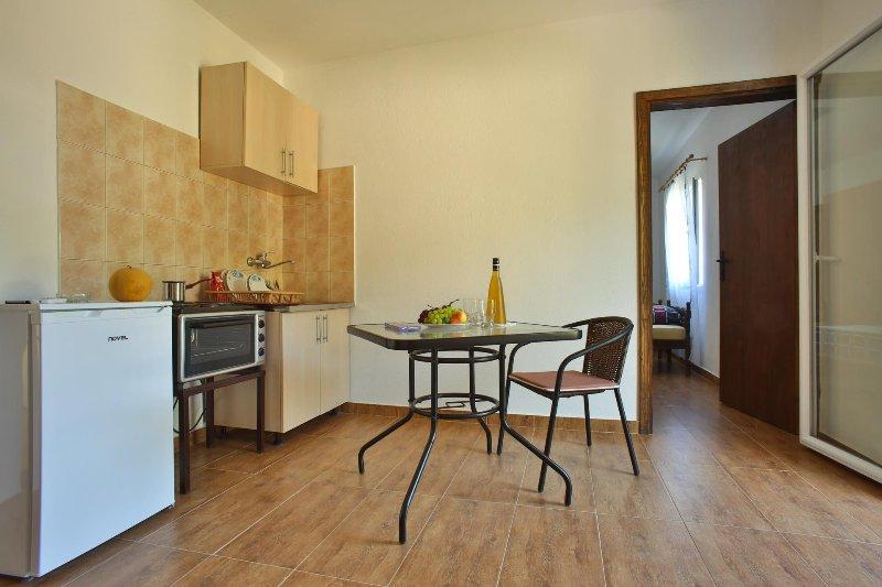 Apartmani Ljujic, holiday rental in Utjeha
