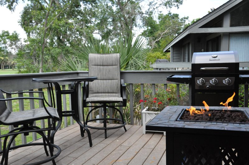 Spectacular views of the George Fazio #2 hole.   Hang out on the deck with fire pit and gas grill.