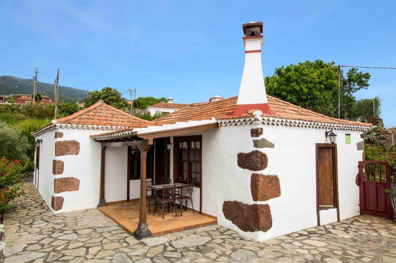 Casa Rural para 4 personas en, vacation rental in Bajamar