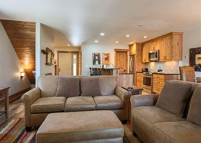Royal Glen Living Area Frisco Lodging Vacation Rental