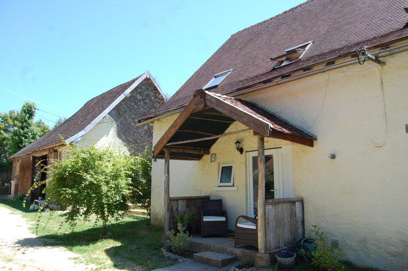 La Petite Etable. Little Cottage en Dordogne Jolie Village