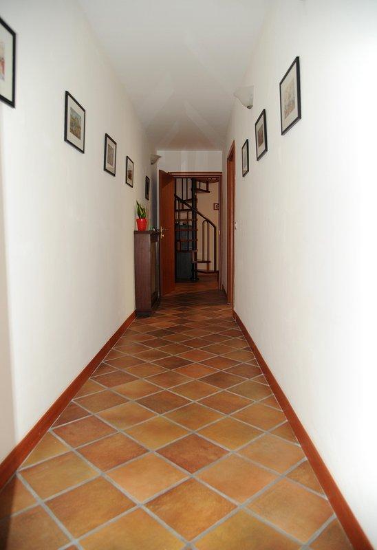 Couloir devant 1 salle de bain