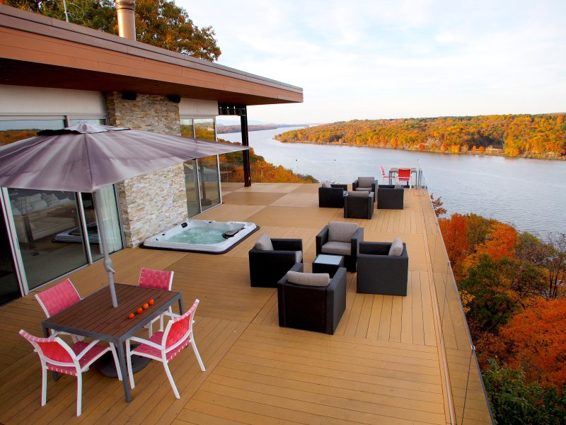 Hudson Valley Villa - Modern Masterpiece Cantilevered Over Hudson River Bluff, aluguéis de temporada em Ulster Park