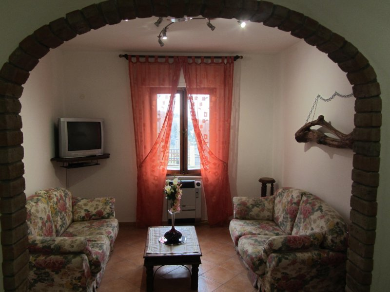 Casa vacanze vista mare a 15 km dal mare Toscana Pisa Castellina Marittima, holiday rental in Castellina Marittima