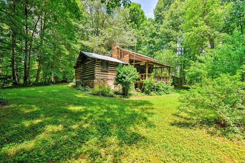 Experience the heart of North Carolina Wine Country from this 2-bedroom, 2-bathroom Dobson vacation rental cabin.