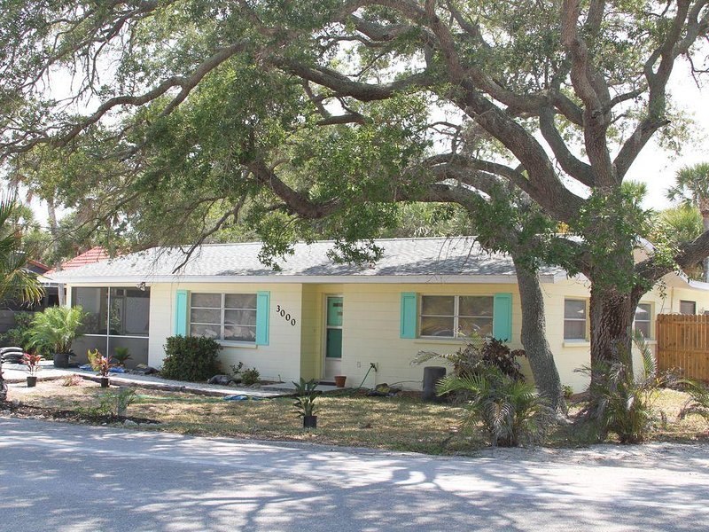 Beach Bums Paradise UPDATED 2020: 2 Bedroom House Rental ...
