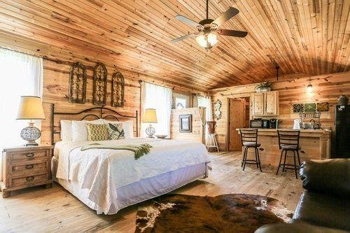 Vineyard-Private Cabin with Hot Tub, alquiler de vacaciones en Fredericksburg