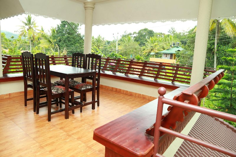 Spend your time in a traditional Kerala style, Kumily/Thekkady