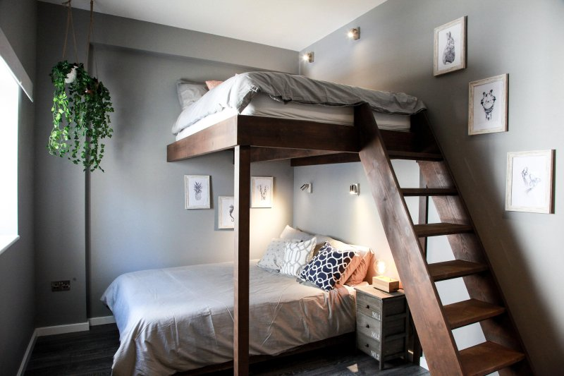 Mezzanine bedroom, double beds, Egyptian cotton sheets, summer and winter duvets